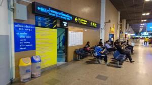 Übergang zum Amari Don Muang Hotel