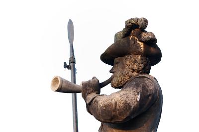 Zur Jagd geblasen: wer nichts anzubieten hat, konzentriert sich auf das Tröten und Stechen ...