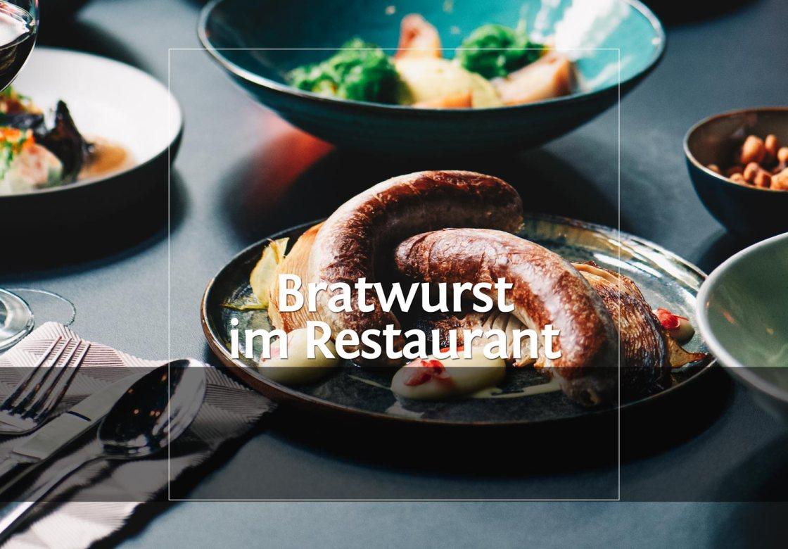 Bratwurst vom Brandenburger Büffel mit asiatischer Senfsauce, Bratkohl und Apfelmus