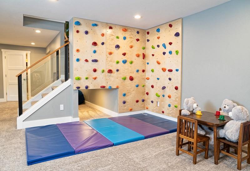 Rock climbing wall corn with tunnel & play mat