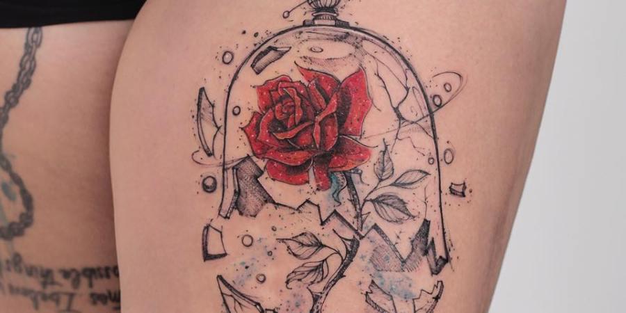 Tatuagem da rosa da bela e a fera com a redoma quebra beuaty and the beast rose tattoo