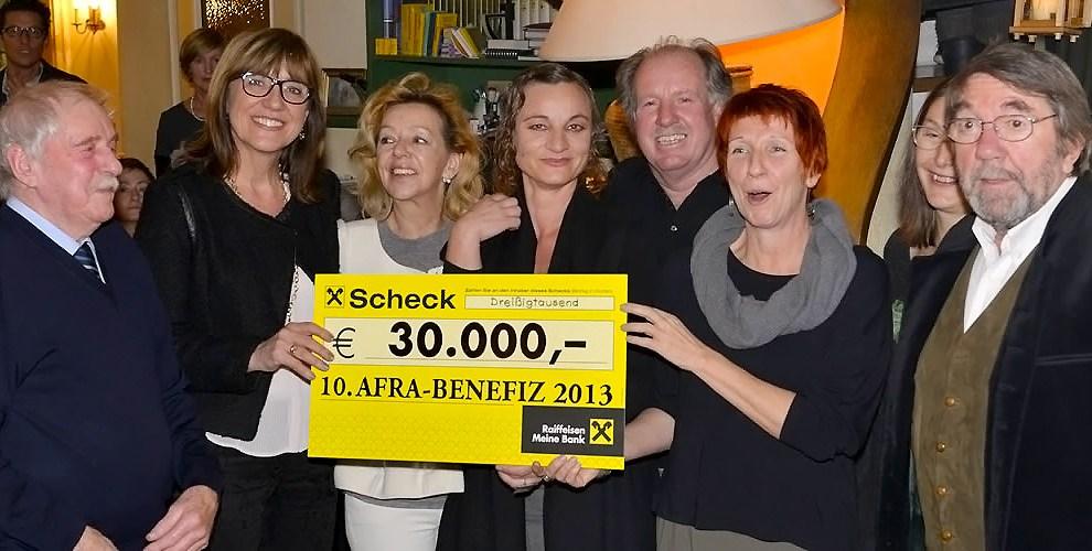 Adventfeier mit Schecküberreichnung, Afra-Litho 2013 brachte 30-tausend für Tiroler Frauenhäuser, Foto: Clemens Stecher, Wildermieming