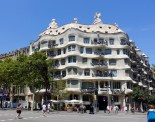 By architect Antoni Gaudí, this was built for Roger Segimon de Milà and was finished in 1907. This building has no straight lines.