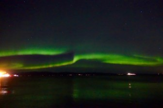 northern-lights-over-trondheimsfjorden_22013036752_o