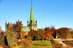Nidarosdomen surrounded by autumn colors.