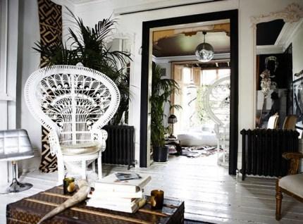 peacock-chair-black-white-room1