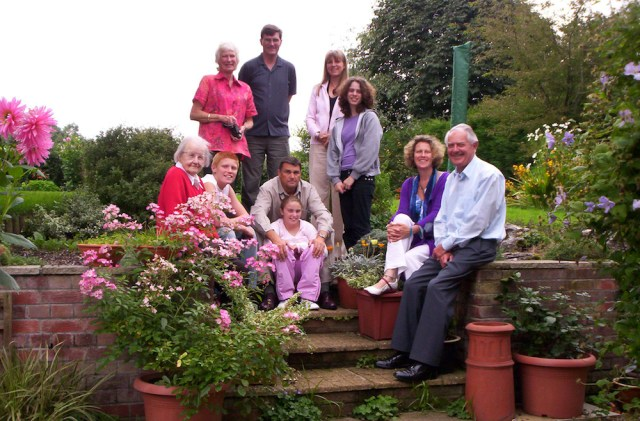 Green, Prytz and Jubb families, Maplewick garden, summer