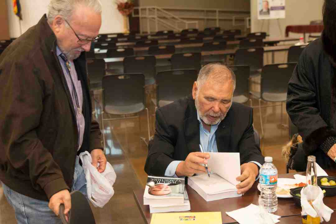 x Raul Yzaguirre Book signing Photo by Phil Soto 136