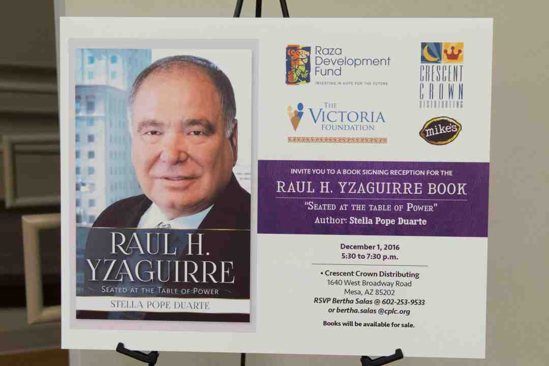 x Raul Yzaguirre Book signing Photo by Phil Soto 183