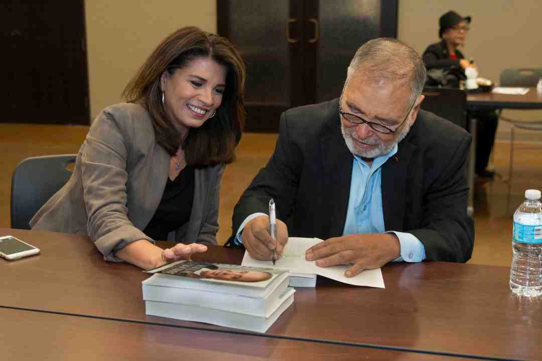 x Raul Yzaguirre Book signing Photo by Phil Soto 39