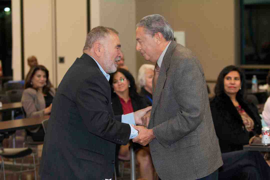 x Raul Yzaguirre Book signing Photo by Phil Soto 627