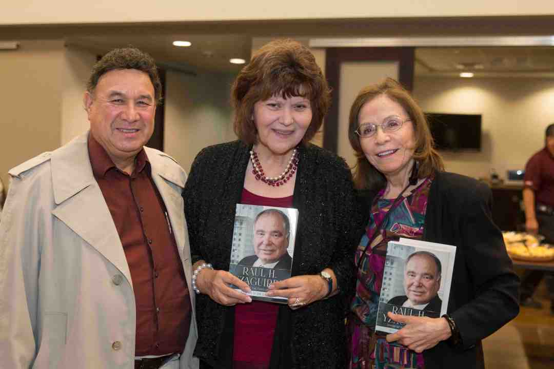 x Raul Yzaguirre Book signing Photo by Phil Soto 92