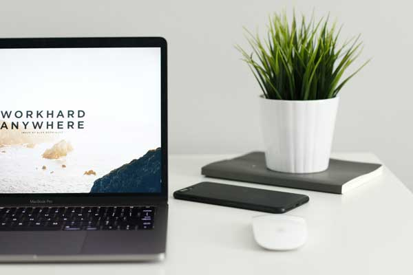 What are the most popular platforms for building websites pros cos Squarespace