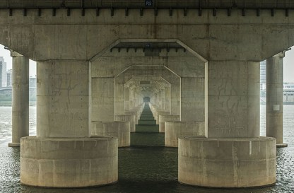 Manuel_Alvarez_Diestro_Seoul_Bridges_Its_Nice_That1