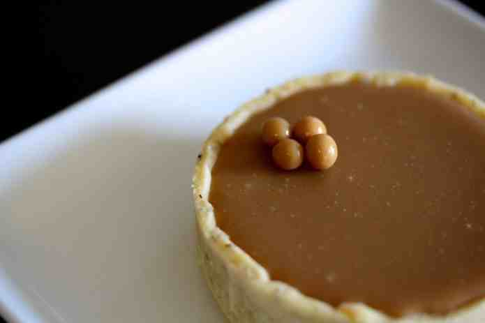 Blond Chocolate Tarts - 35