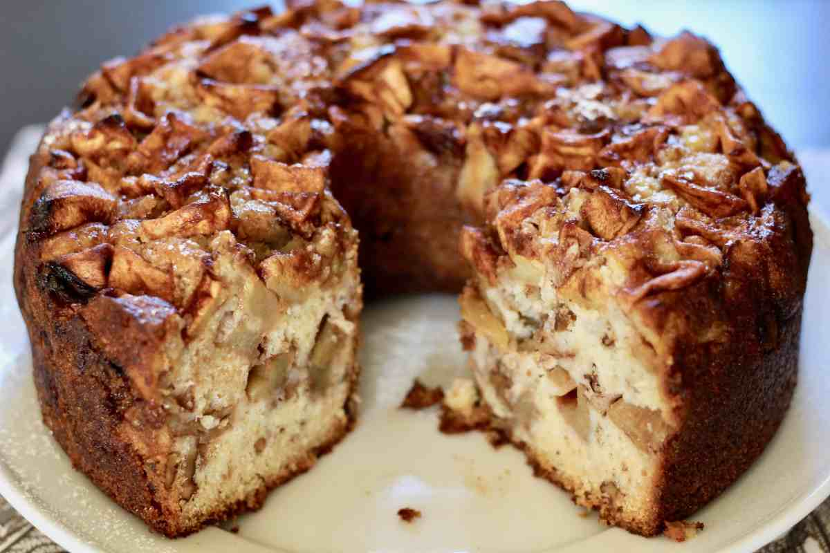 Deb's Mom's Apple Cake
