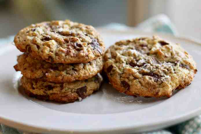 Oatmeal Tahini Chocolate Chunk Cookies - 27.jpg