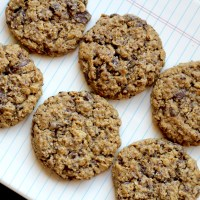 Baked Sunday Mornings: Old-School Oatmeal Chocolate Chip Cookies