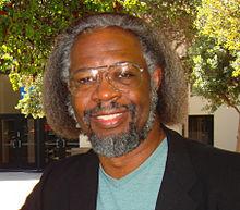 Jim Gates https://stemdrum.wordpress.com/2014/02/09/african-physicist-african-symbols/