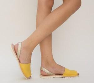 Sandale dama galbene cu talpa joasa si bretea aurie