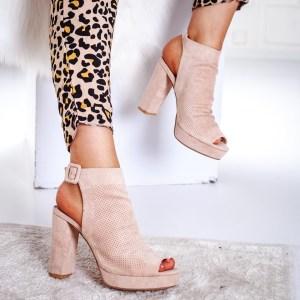 Sandale elegante roz acoperite in fata cu toc gros inalt
