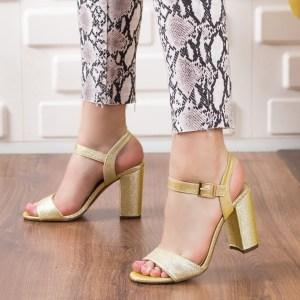 Sandale dama elegante aurii din piele ecologica cu toc gros inalt