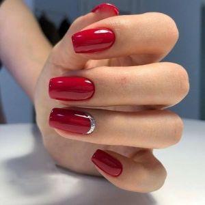 27 cele mai minunate si moderne unghiute rosii cu acryl in 2020
