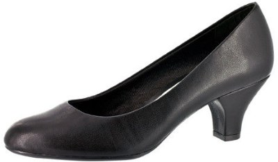 Easy Street Women's Fabulous Pump Review