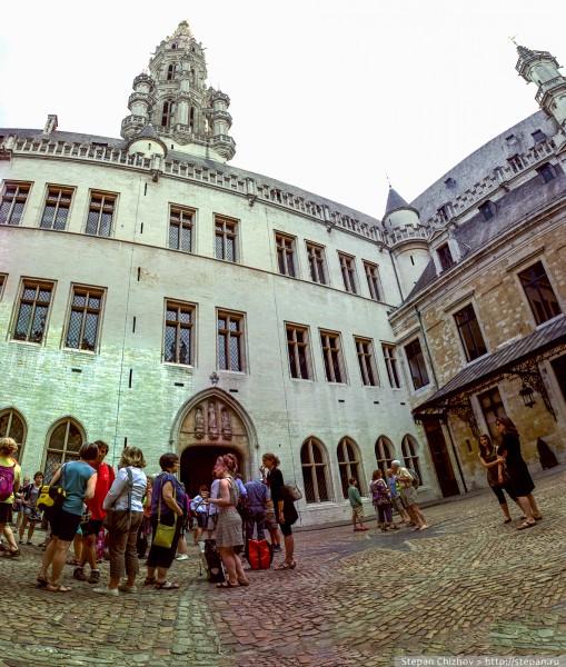 5. Кусочек внутреннего двора ратуши Брюсселя