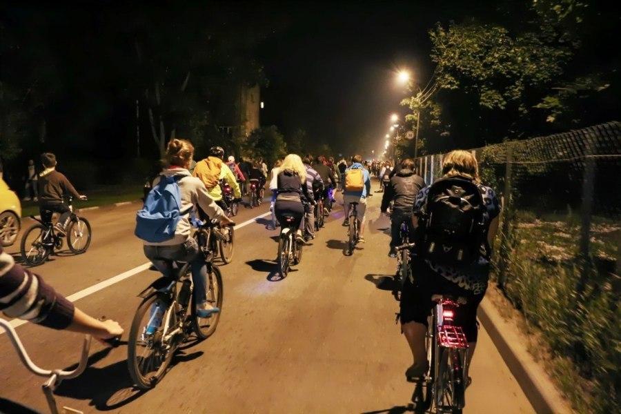 Ночная велопрогулка на день города в Жуковском (фото: vk.com/velozhuk)