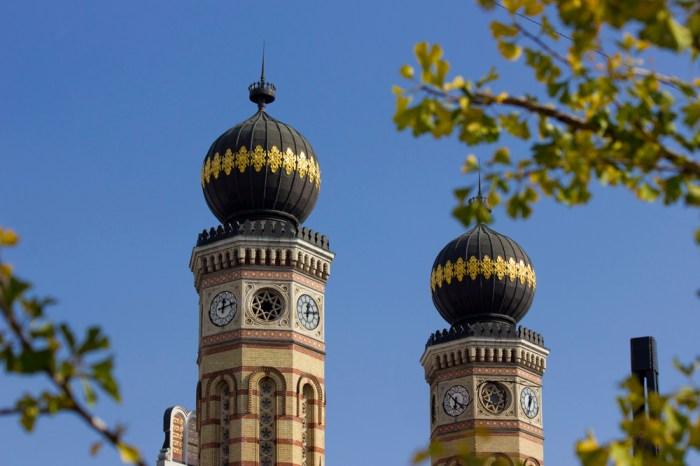 2. Мавританские купола Большой синагоги Будапешта