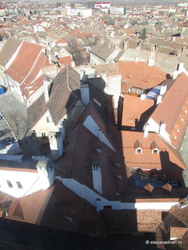 Turnul Sfatului Sibiu-umbra peste oras