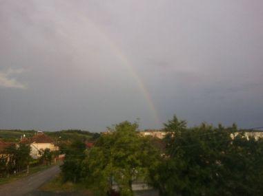 După ploaia urâcioasă, de după nori a apărut și un curcubeu pentru Oana :) 25 iunie 2014
