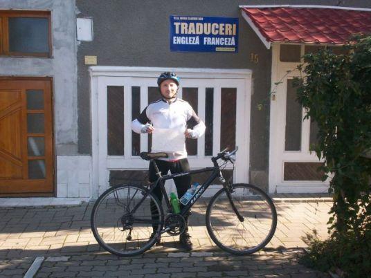 Îi mulțumim lui Claudiu Moga care a ales să pedaleze 60 de KM pentru Oana :)