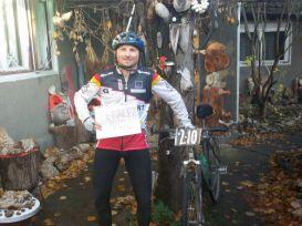 Claudiu a pedalat 240 de KM și a alergat 25 pentru Oana. Îi mulțumim!