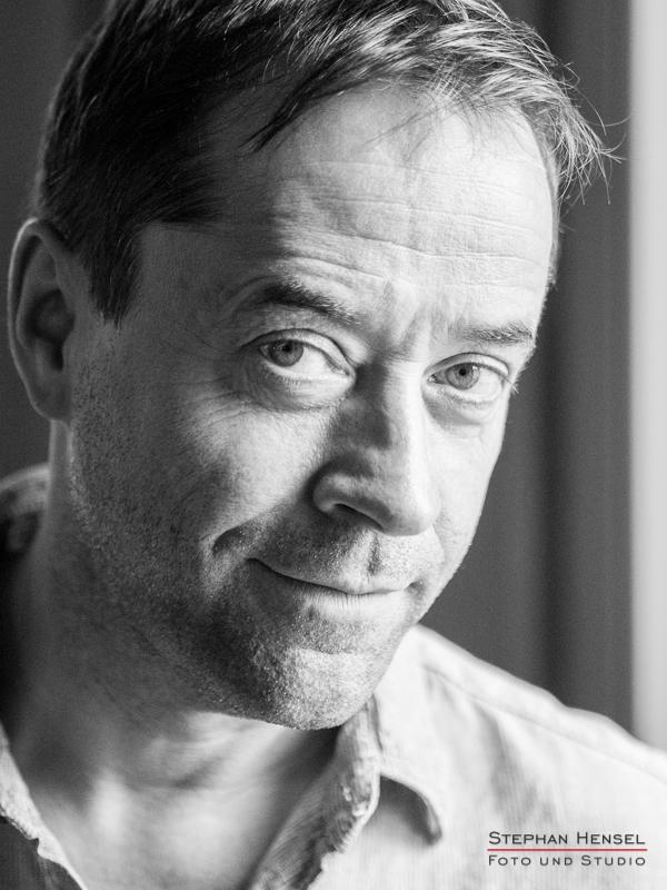 Jan Josef Liefers im Studio bei Stephan Hensel, Portraitfotograf: Stephan Hensel