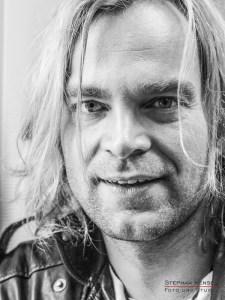 Tim Wilhelm von der Münchner Freiheit im Studio bei Stephan Hensel, Portraitfotograf: Stephan Hensel