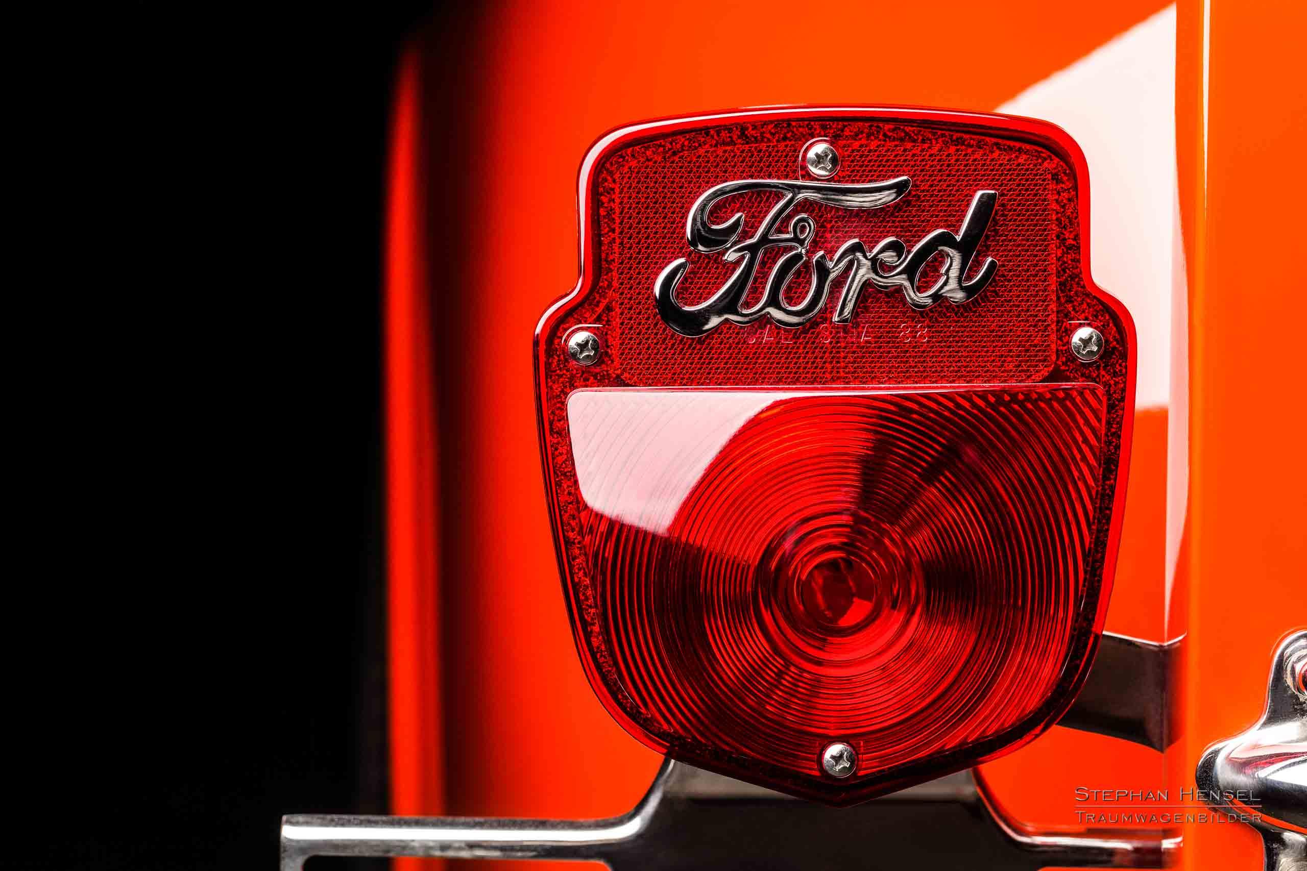 Ford F-100, Detailansicht Rücklicht links, Autofotograf: Stephan Hensel, Oldtimerfotograf, Hamburg