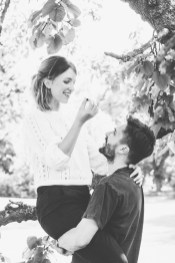 stephanie_green_wedding_photography_sula_olly_engagement_kew_gardens-33