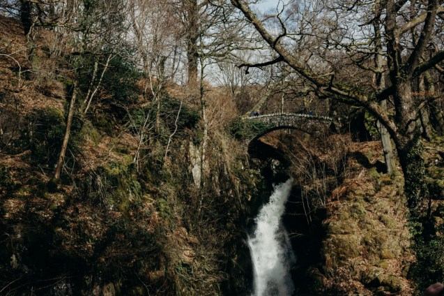 stephanie-green-wedding-photographer-travel-lifestyle-keswick-lake-district-aira-force-outdoors-girl-woman-nature-landscape-waterfall-england-28