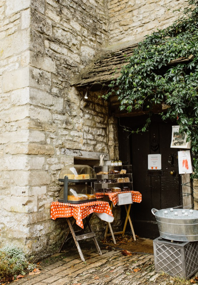 stephanie-green-wedding-photographer-castle-combe-chippenham-cotswolds-old-england-english-village-7