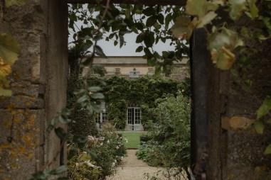 stephanie-green-wedding-photography-cotswold-photographer-the-lost-orangery-chippenham-modern-documentary-12