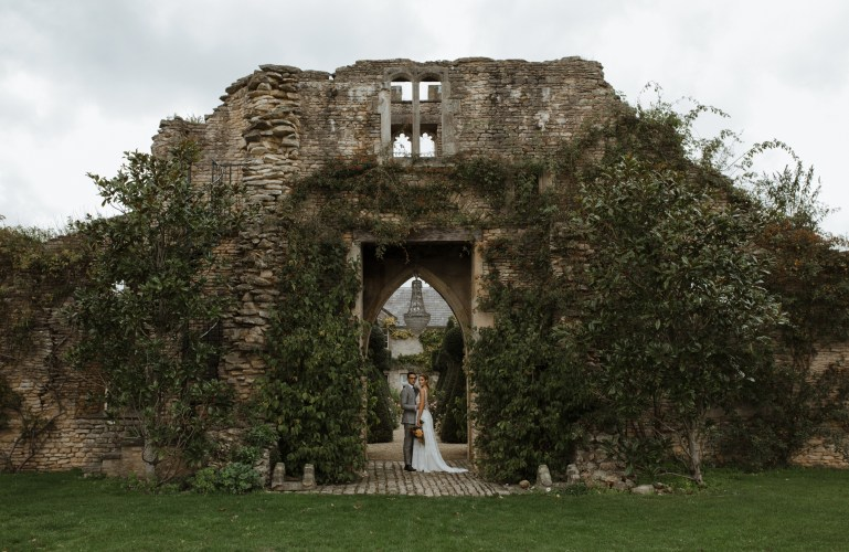 stephanie-green-wedding-photography-london-cotswolds-lake-district-the-lost-orangery-euridge-manor-country-uk-english-alternative-modern-documentary-candid-22