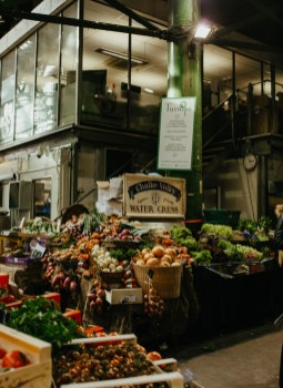 Borough Market. Picture by Stephanie Green Weddings