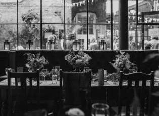 stephanie-green-wedding-photography-amy-tom-islington-town-hall-wedding-depot-n7-industrial-chic-pub-544