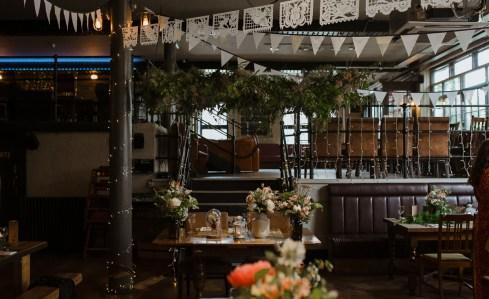 stephanie-green-wedding-photography-amy-tom-islington-town-hall-wedding-depot-n7-industrial-chic-pub-551