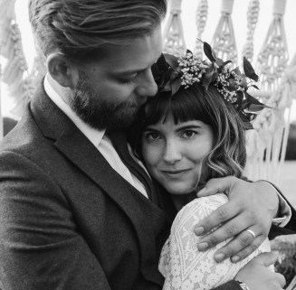 boho-wedding-bonhams-barn-blank-canvas-events-festival-outdoor-stephanie-green-weddings-alton-hampshire-1124