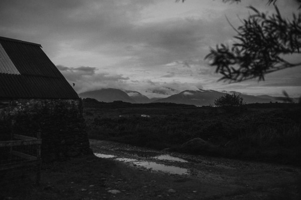 stephanie-green-weddings-london-isle-of-lismore-oban-scotland-travel-lifestyle-crofting-cottage-ferry-rustic-thatched-roof-93