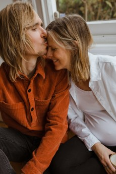 stephanie-green-weddings-pregnancy-portrait-bump-photography-home-lifestyle-hygge-family-boho-anna-will-merlin-cat-83