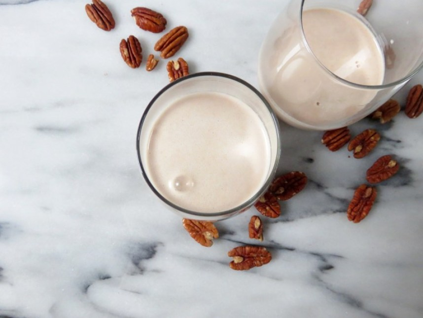 Homemade Pecan Milk